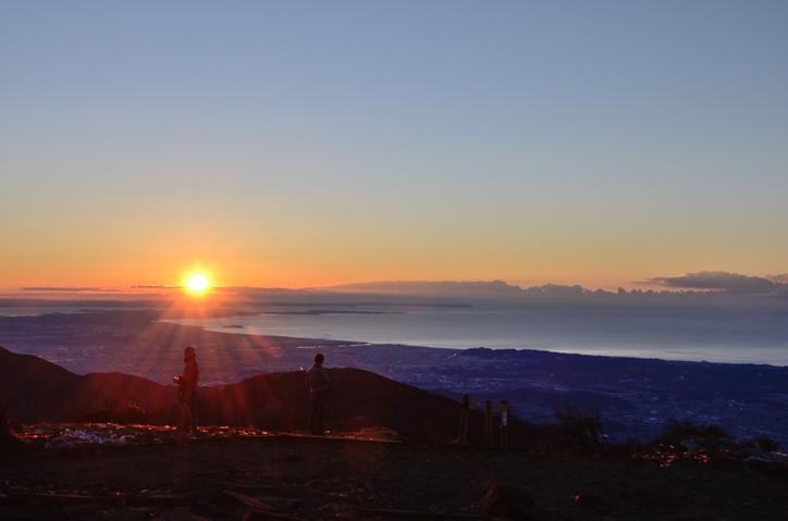 塔ノ岳山頂からの朝日