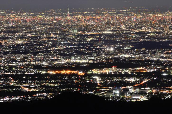塔ノ岳頂上からの夜景
