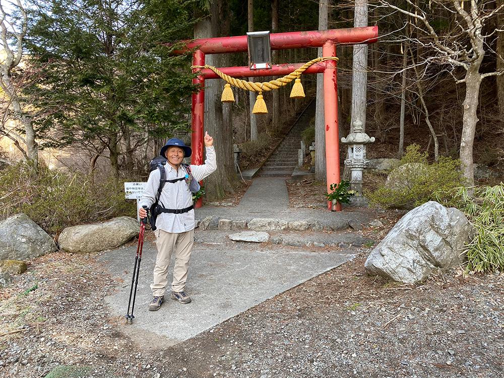 石割神社入口
