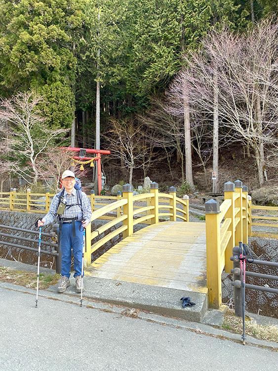 石割山、石割神社入口